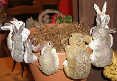 animals to hang on flowerpots, animal pothangers, plant pot decorations