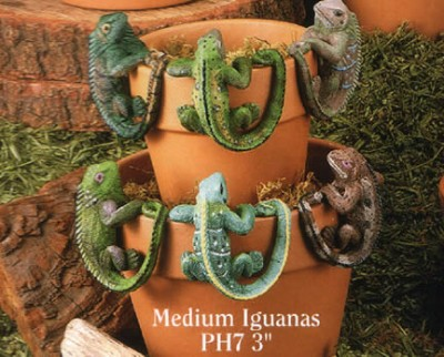 Farm animal pot hangers, zoo animal pothangers, animals to hang on flowerpots, animal pothangers, plant pot decorations